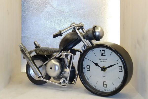 horloge moto noire profil
